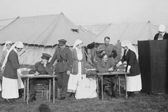 """Bluebird"" nurses voting during the First World War"